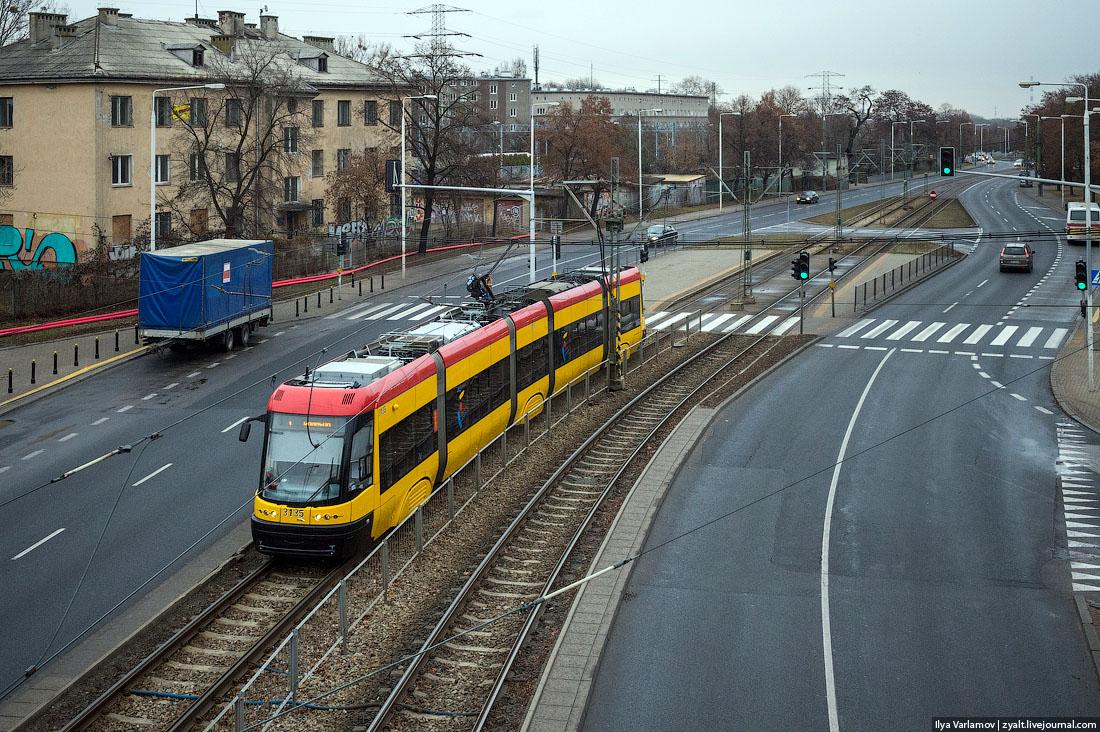 показать как едит трамвай в москве