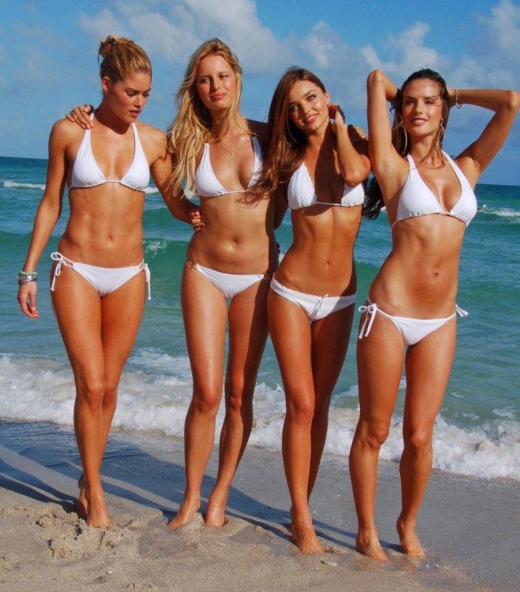 young nude beach girls № 6882